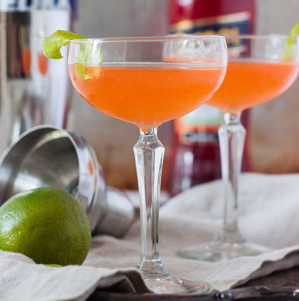 Aperol Cosmopolitan ( Aperol Vodka Cocktail )