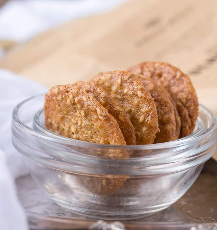 benne wafers in a glass bowl