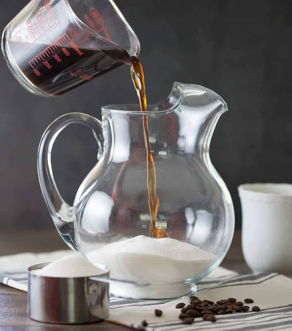 Homemade Kahlua ( Coffee Liqueur Recipe )