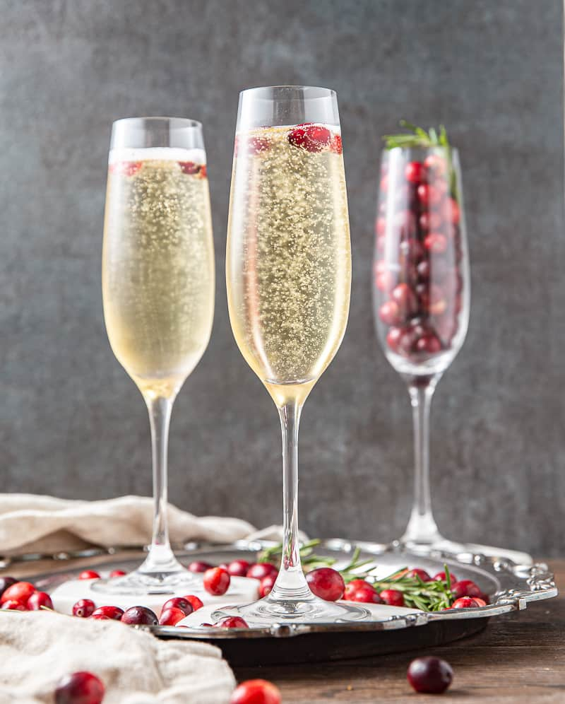 champagne christmas drink