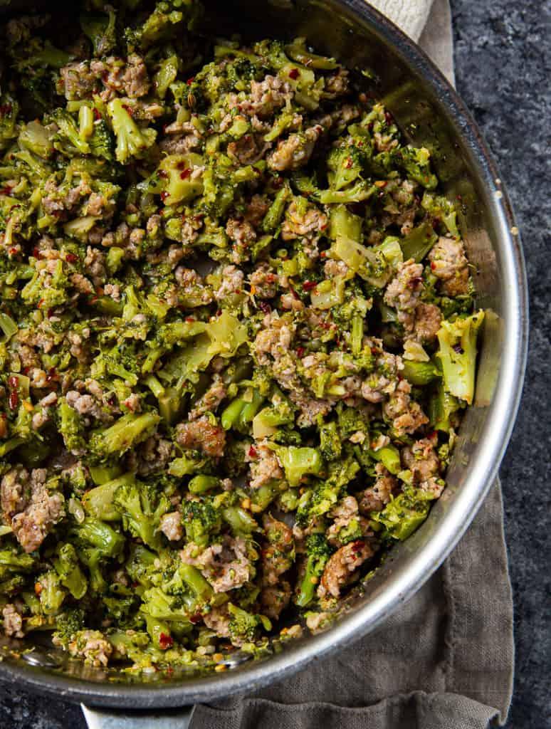 broccoli sauce with sausage