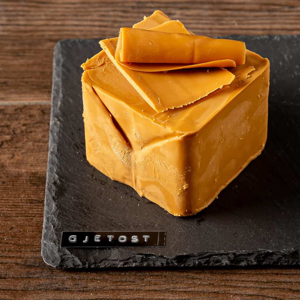 How to serve Gjetost Cheese